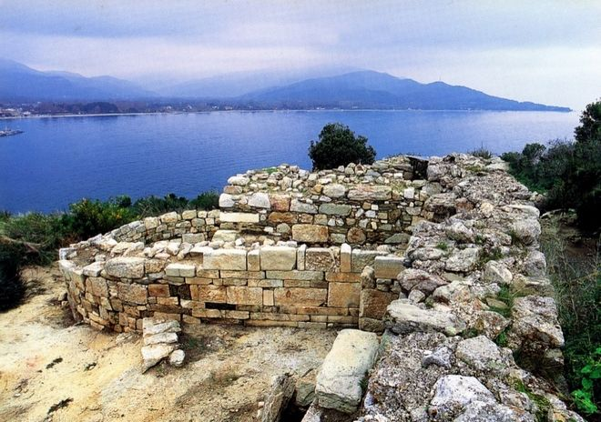 Aristotle's 2,400-year-old tomb was discovered in Macedonia, according to archaeologists