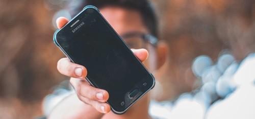 Cara Memutarkan Video Yang Terbalik di Android Dengan Trik ini 5 Cara Memutarkan Video Yang Terbalik di Android