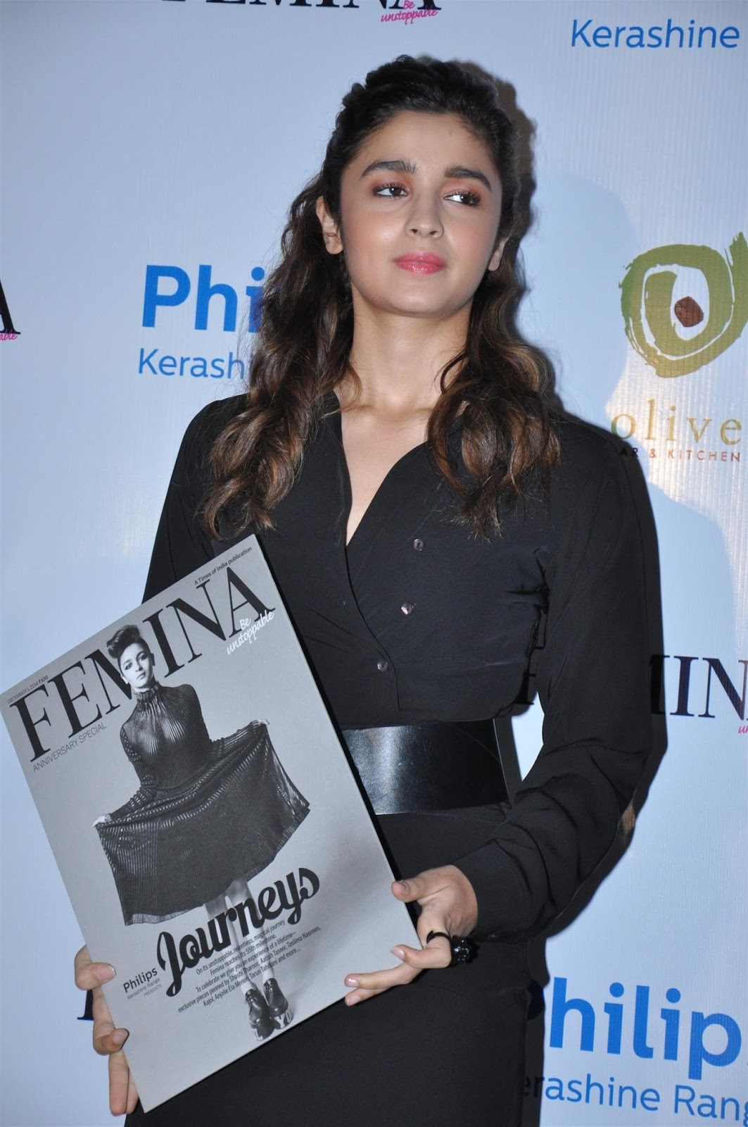 Alia Bhatt Hot Photos In Black Dress