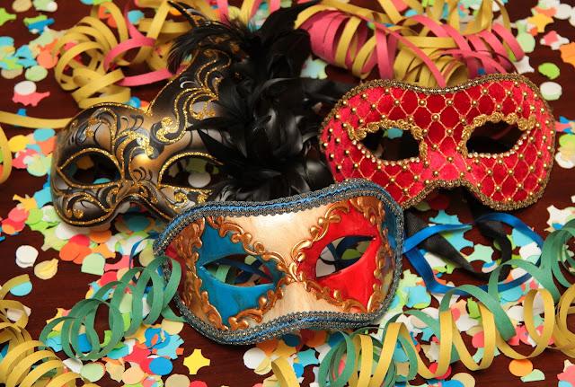 Dicas de carnaval,resseca de carnaval,Hidratação,beber água,suco de vegetais,alimentos com proteína,dormir,fibras,dieta detox,suplementos,Aspirina,diurética