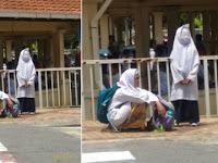Foto Dua siswa yang sedang menunggu jemputan Orang Tua ini bikin Heboh pengguna Internet. Lihat Gadis yang berdiri