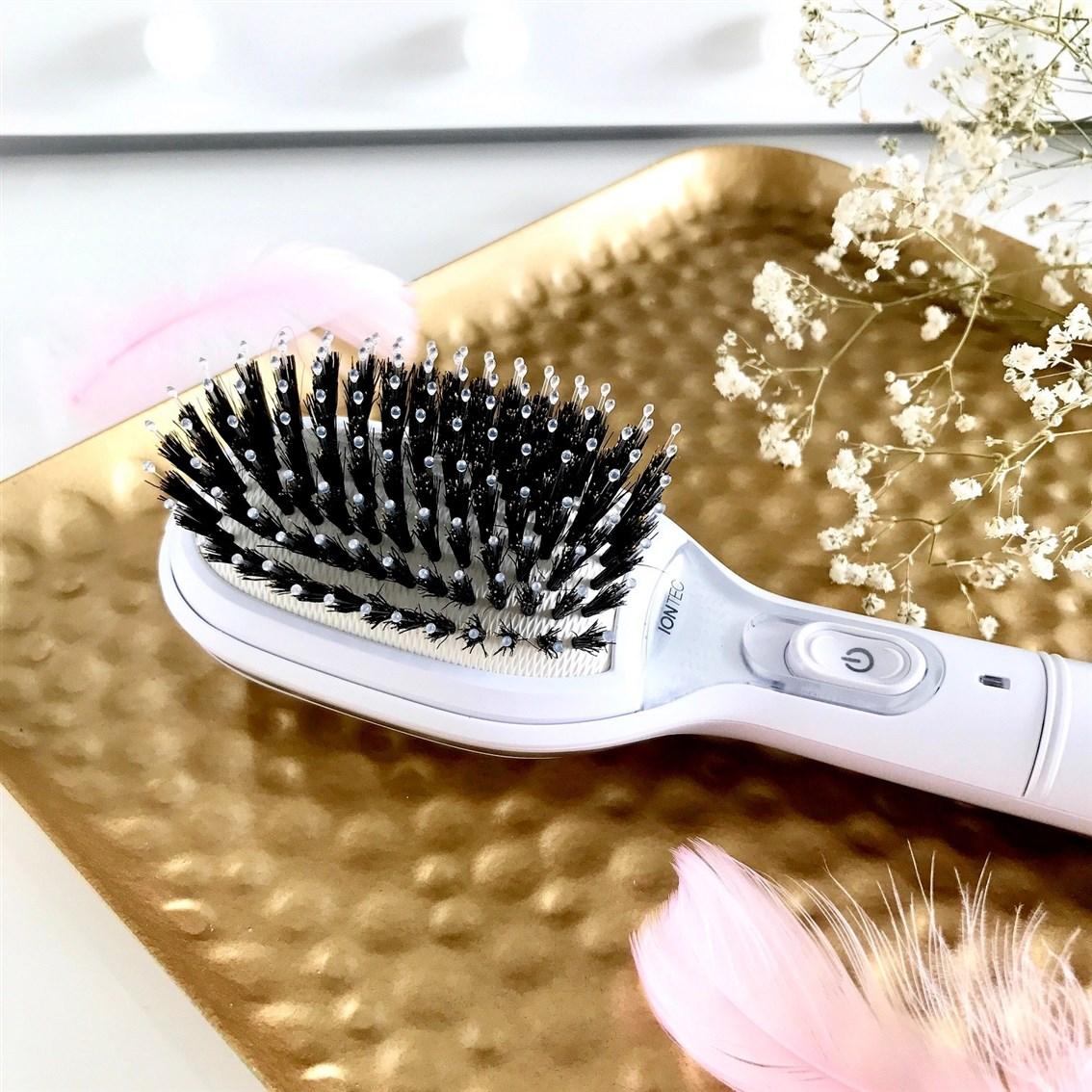 jonizująca szczotka do włosów Braun