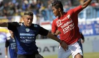 Bali United vs Arema Cronus Imbang 2-2 TSC 3 Desember 2016