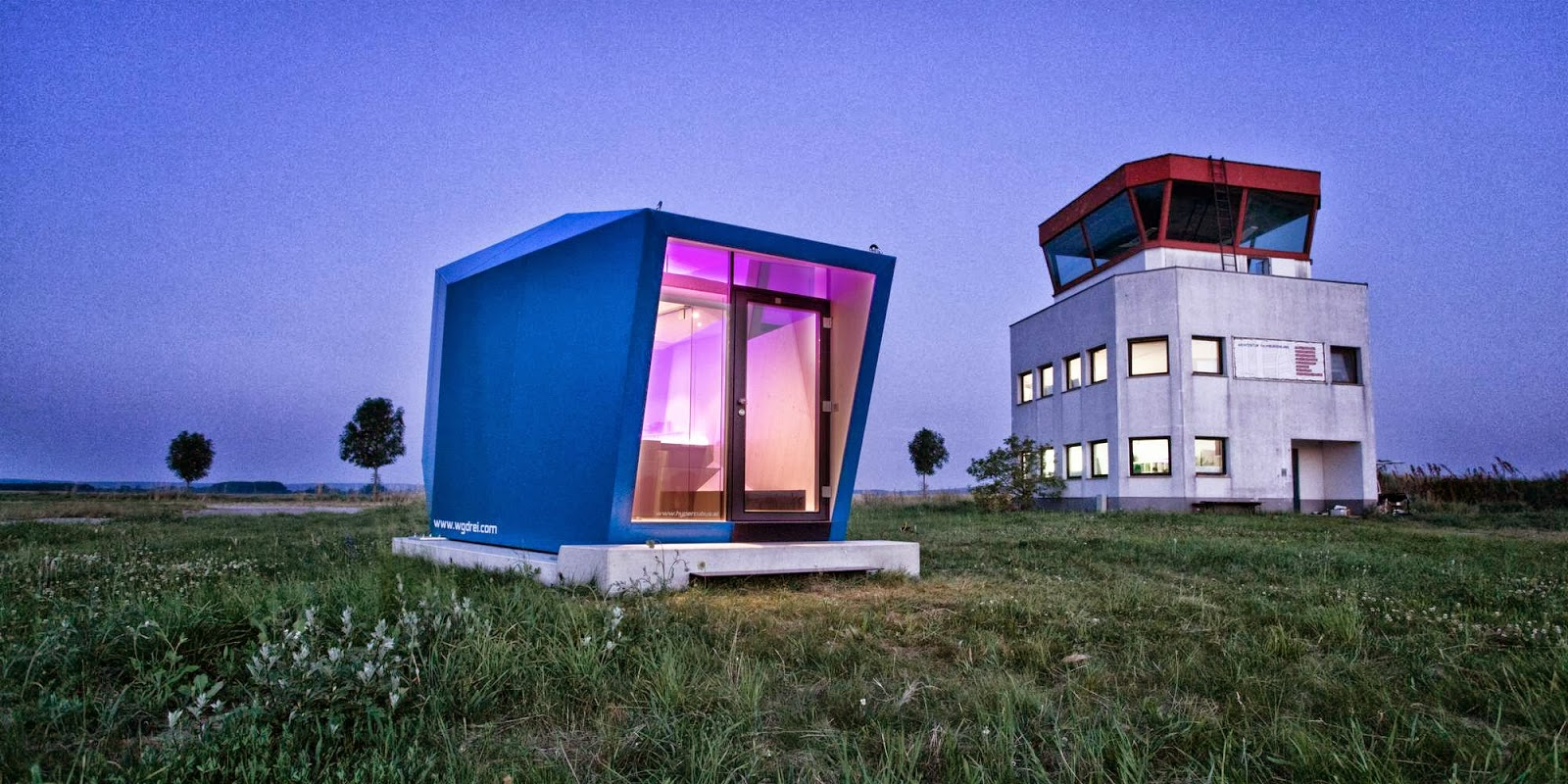unique-exterior-Transportable-House-Hypercubus