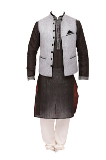 HyperCITY_Iktara Collection_Black Kurta and Jacket