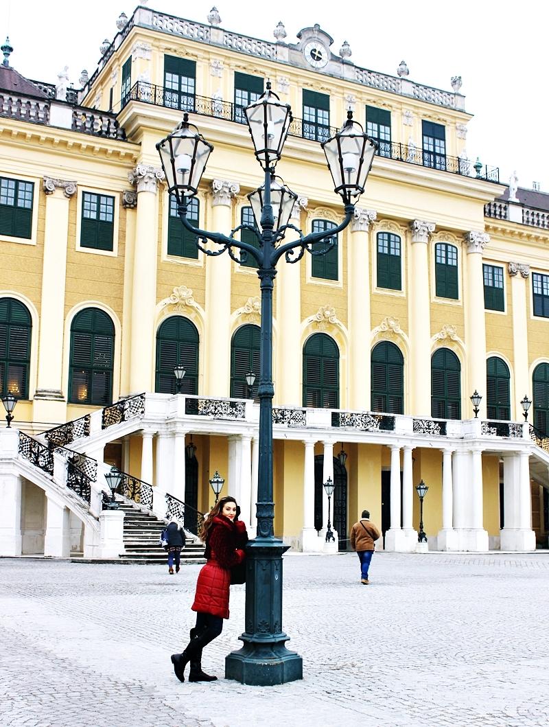 Schönbrunn Palace in Vienna; Schönbrunn (Šenbrun) Palata u Beču
