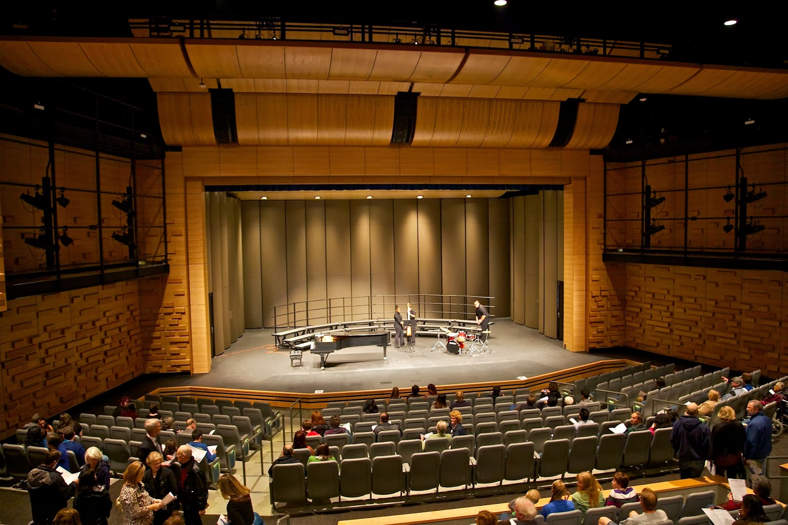 Shoreline Area News New Shorewood theatre for school and