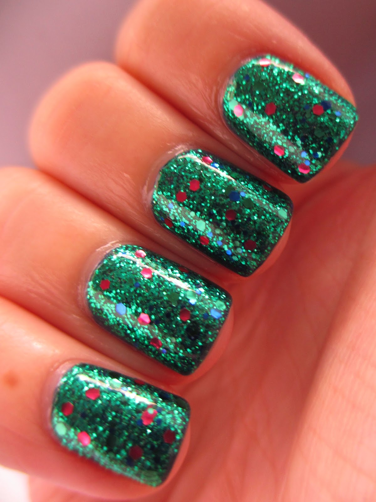 green-glitter-nail-polish-Barry-M-Posh-Polish-Mermaid-Special-Edition