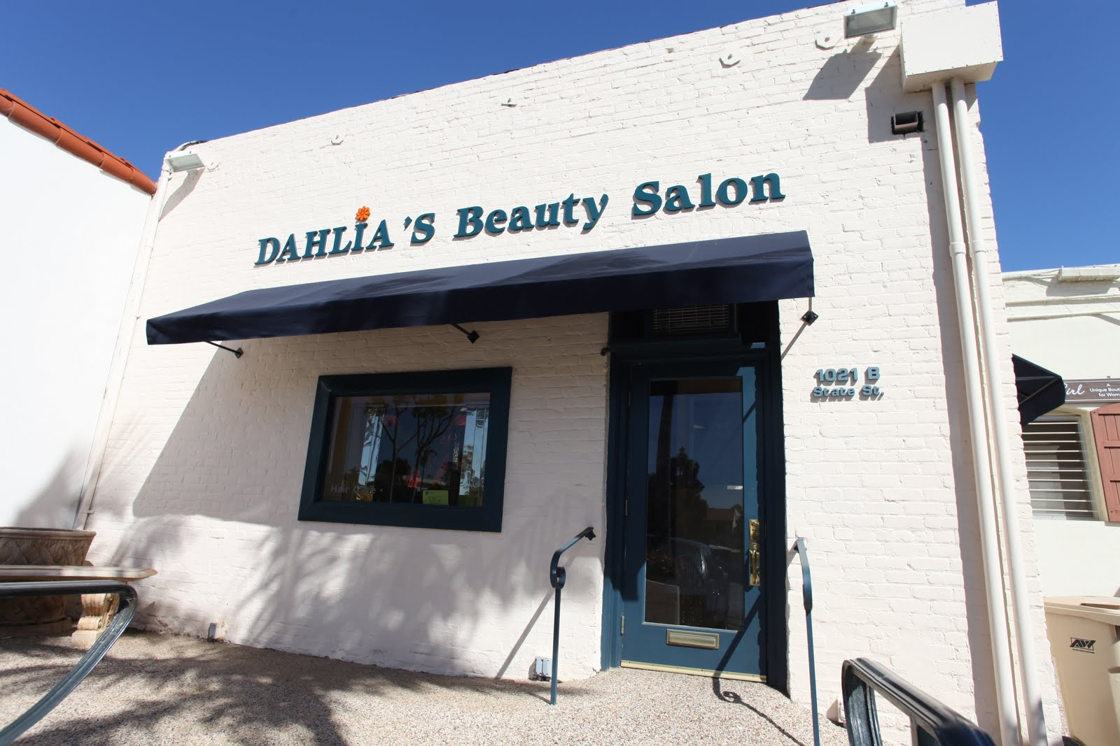 We Just Did A Little Work At The New Location For Dahlias Beauty Salon Which Opened Last Week They Seem Like Real Good People So I Thought Wed