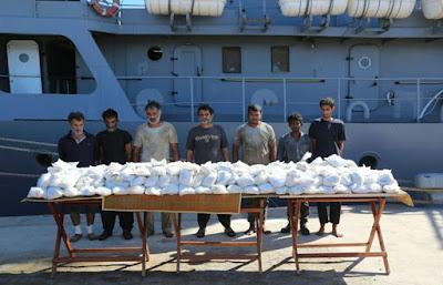 بالفيديو .. المتحدث العسكرى ينشر لحظة ضبط 171 كيلو هيروين على مركب إيرانى بالبحر الأحمر