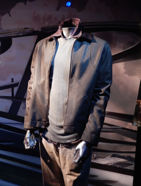 Tomorrowland Frank Walker movie costume
