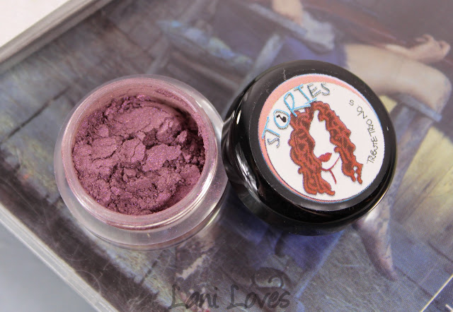 Notoriously Morbid Raisin Girl Eyeshadow Swatches & Review