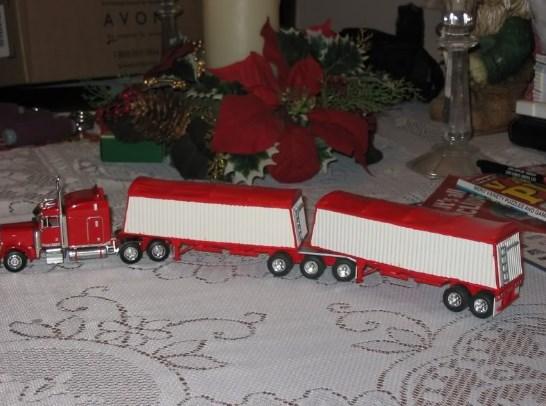 truk lego gandeng mainan merah