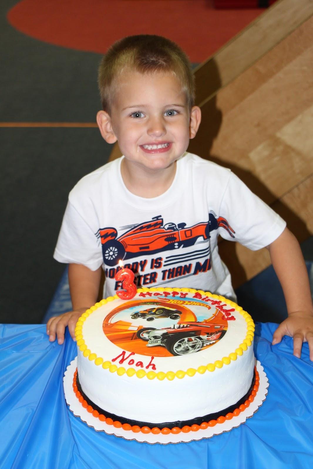 Hot Wheels Cake Walmart : wheels, walmart, Parties:, Noah's, Wheels, Party
