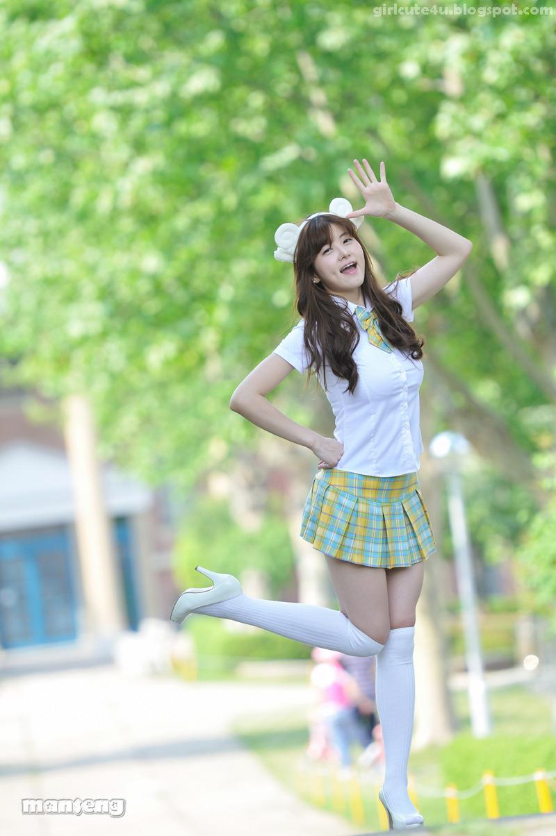 Cute japanese school girls