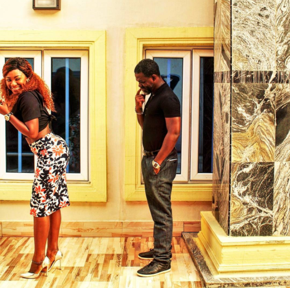 YVONNE JEGEDE'S HUSBAND ABOUNCE GAWKS AT HER BUTT IN ADORABLE