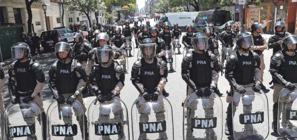 Muere joven argentino por maltrato recibido en escuela policial