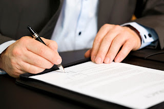 Nuestros abogados de extranjería de Granada le ayudan con la modificación de permisos de residencia o trabajo