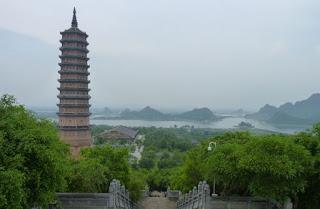 Ninh Binh. La Pagoda Bai Dinh. Gran Buda Sakyamuni.