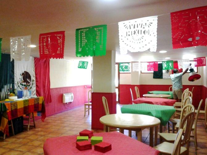 16 de septiembre decoraciones for Puertas decoradas para el 16 de septiembre