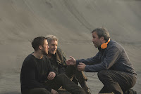Blade Runner 2049 Harrison Ford, Ryan Gosling and Denis Villeneuve Set Photo 2 (14)