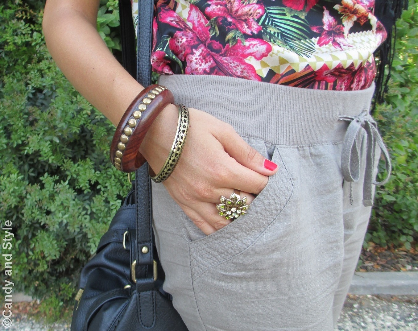 Bangles, Accessories - Details