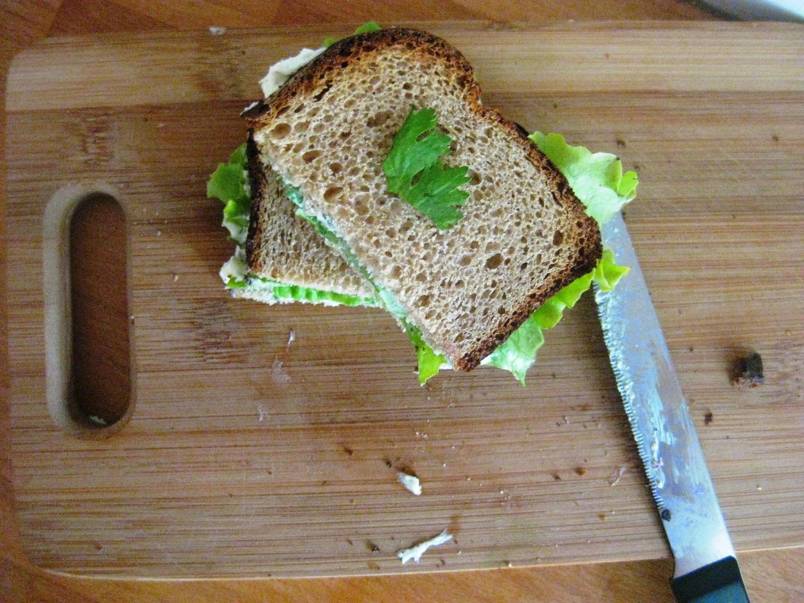 j 39 ai encore faim le pique nique du lundi sandwich aux fines herbes. Black Bedroom Furniture Sets. Home Design Ideas