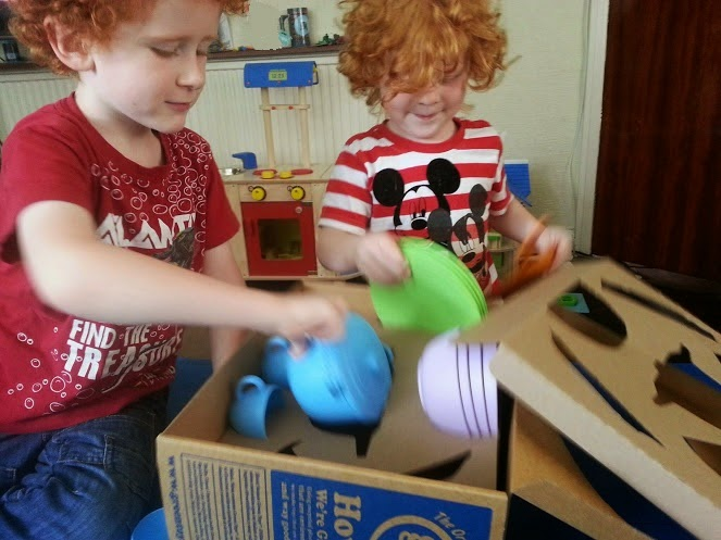 Green Toys Recycled Plastic Cookware And Dining Set Review unpacking box