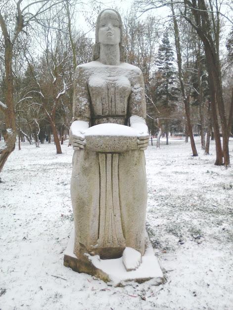Female Statue, Yambol City Park, Yambol. statue,