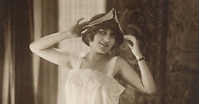 15 Beautiful And Sexy Vintage Woman Cabinet Cards