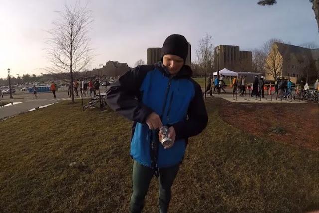 Corre maratón tomando una cerveza por cada milla recorrida
