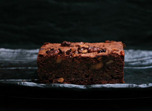 4 postres veganos fáciles y rápidos, brownie vegano