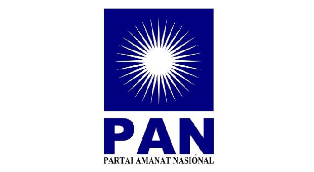 Petahana Atty Suharti Mencalonkan Diri Daftar ke PAN