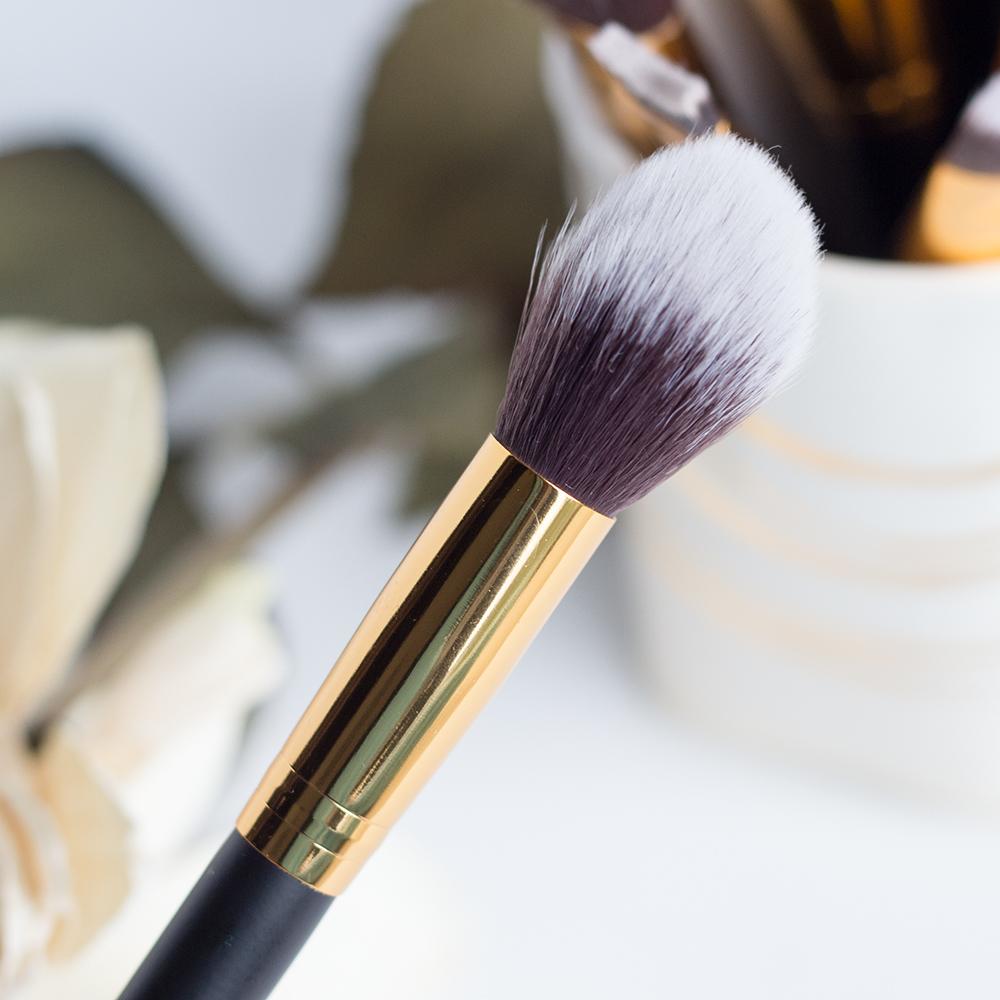 BH Cosmetics Sculpt & Blend 2 Tapered Contour Brush