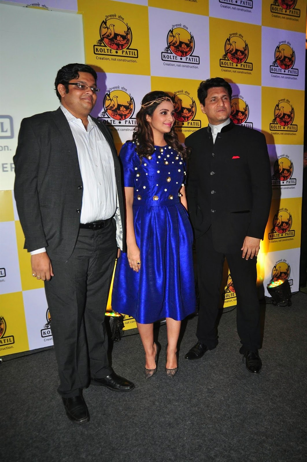 High Quality Bollywood Celebrity Pictures Parineeti -4972