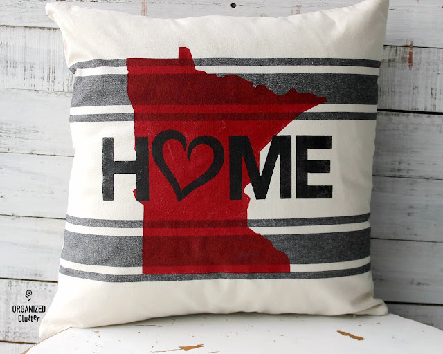 Easy DIY Hobby Lobby Stenciled Pillow Cover #Minnesota #statepride #stencil #HobbyLobby #pillowcover #throwpillow