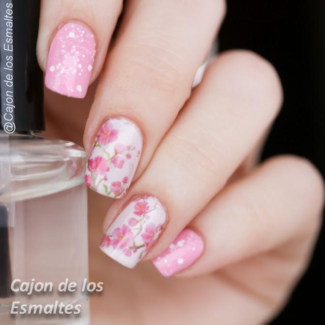 Uñas decoradas flores rosa