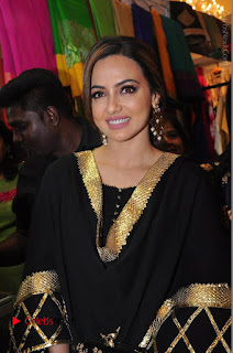 Bollywood Actress Sana Khan Launches Aakrithi Exibition  0113.JPG