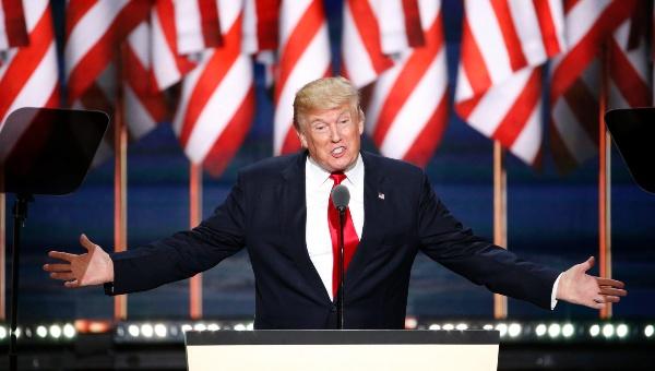 Trump se retracta y apoya ahora a Ryan y McCain en primarias