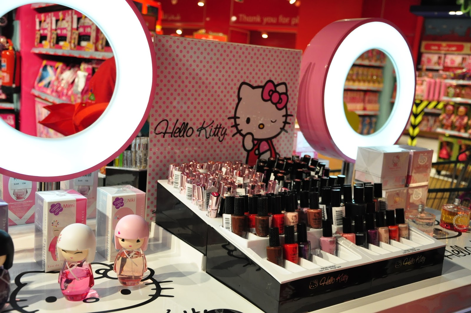 7bc2a3ae8 Hello Kitty makeup in the middle of the toy store! Whaaaat?!?!?! No words  could explain how schocked and happy I was LOL.