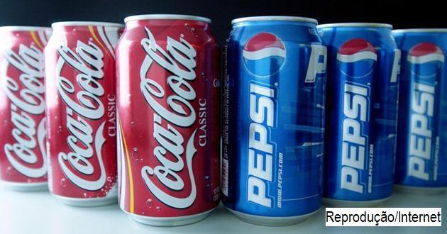 Coca, Pepsi e Ambev param de vender refrigerante a escola com menores de 12 anos