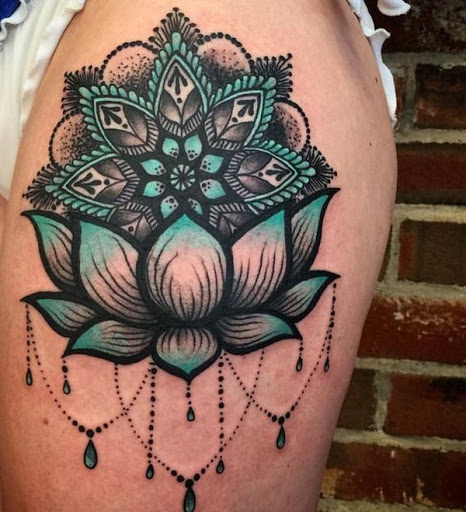 Azul e Preto Lotus Manga o Projeto da Tatuagem