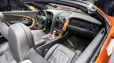 Bentley Continental GT: dashboard and instrument panel finished in premium