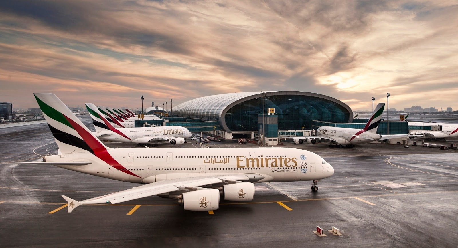 Dozens of A380-800 of Emirates At Dubai ...