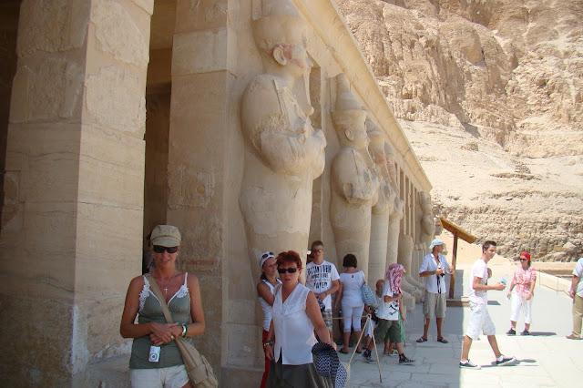 dolina królów , posągi Hatszepsut
