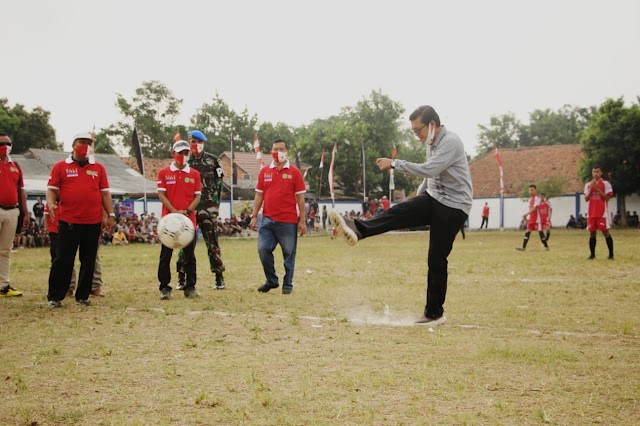 "Kick Off Open Tournament Sepakbola ""Wonder Cup"" Cipeundeuy Subang"