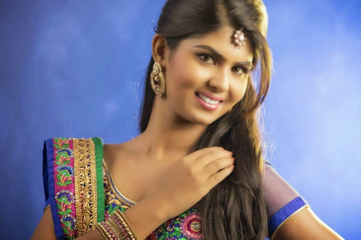 Upasana Wallpapers, Upasana Hot HD Desktop Wallpapers