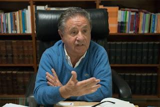 El expresidente se ofreció a ayudar al Gobierno y dijo que sabe cómo salir de la crisis económica.