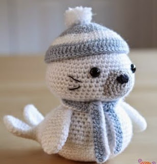 http://translate.google.es/translate?hl=es&sl=en&u=http://www.littlemuggles.com/free-patterns-3/sammy-the-seal/&prev=search