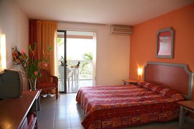 Chambre avec terrasse et vue sur la mer